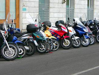 Motorroller zum Ausleihen in Kroatien
